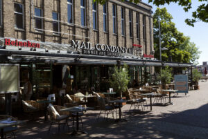 Restaurant en terras The Mail Company in Zaandam